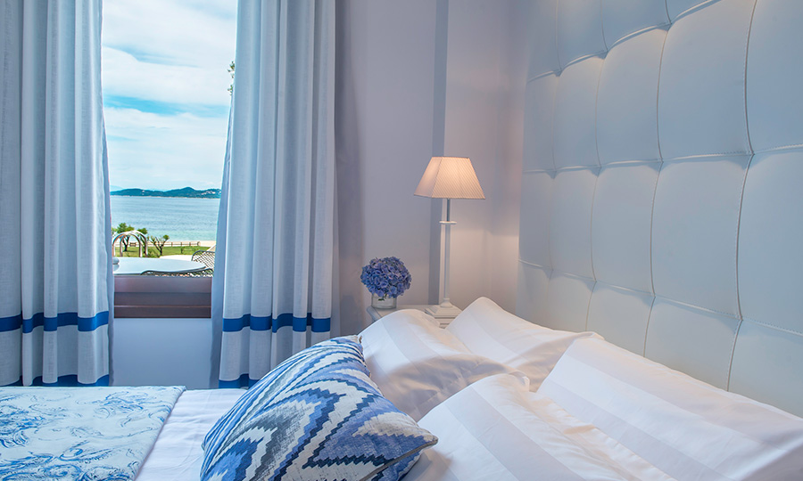 Deluxe room with a sea view